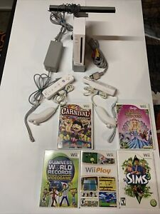 Nintendo RVL-001 Wii Console White Bundle With Games Controllers Clean TESTED