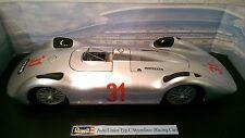 Revell Auto Union Typ C Stromlinie Rennwagen in silber #31 1/18  08436