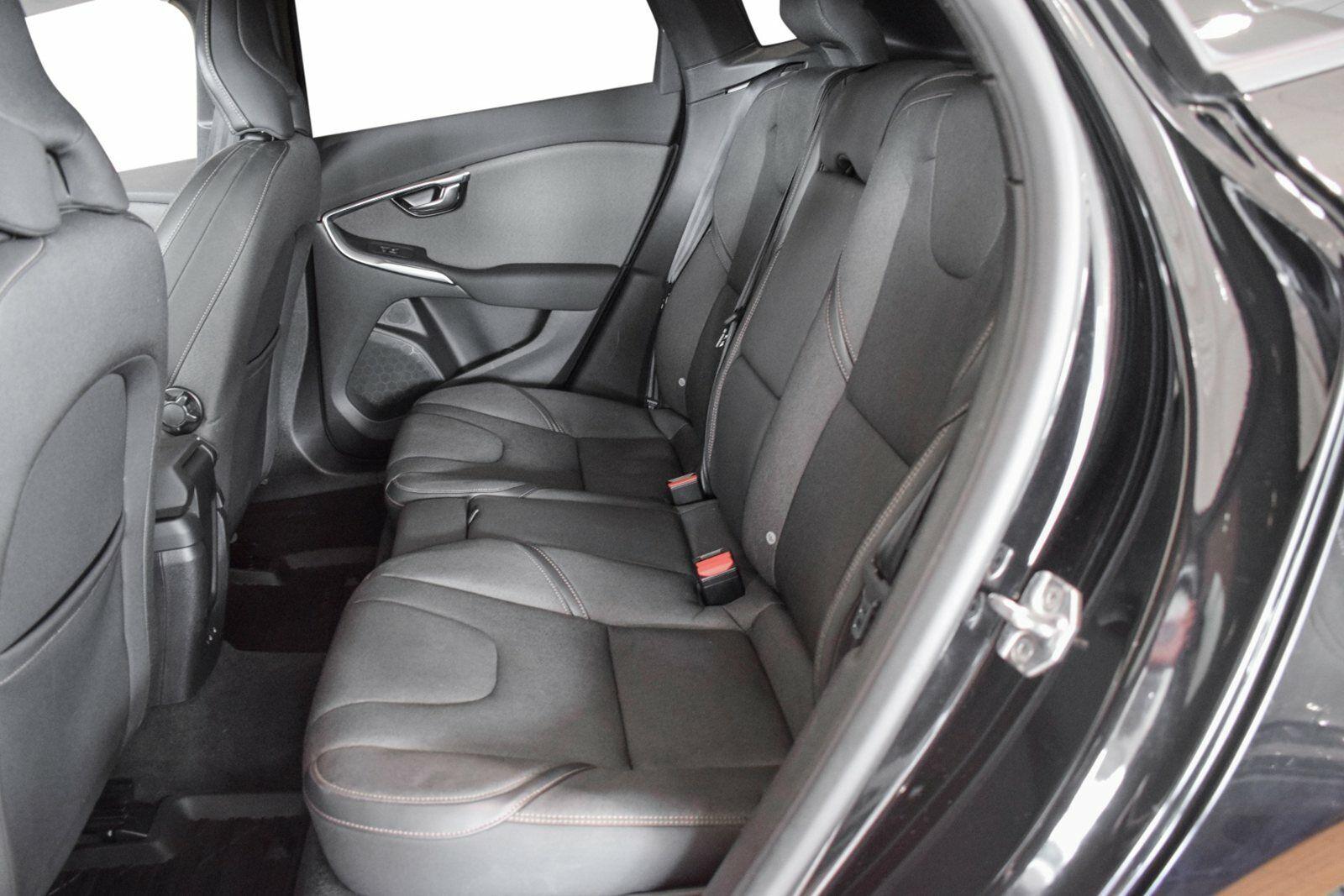 Volvo V40 CC 2,0 D3 150 Momentum aut. - billede 7