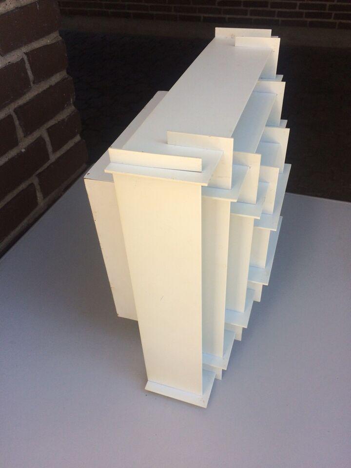 Anden arkitekt, Kvadrat, loftslampe
