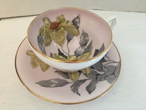Windsor-English-Bone-China-Hand-Painted-Large-Flowers-Cup-amp-Saucer-raised-bead