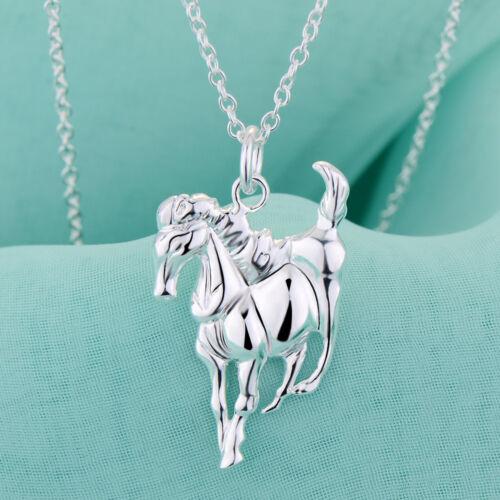 Remolques en la cadena silberüberzogener remolque con caballo.