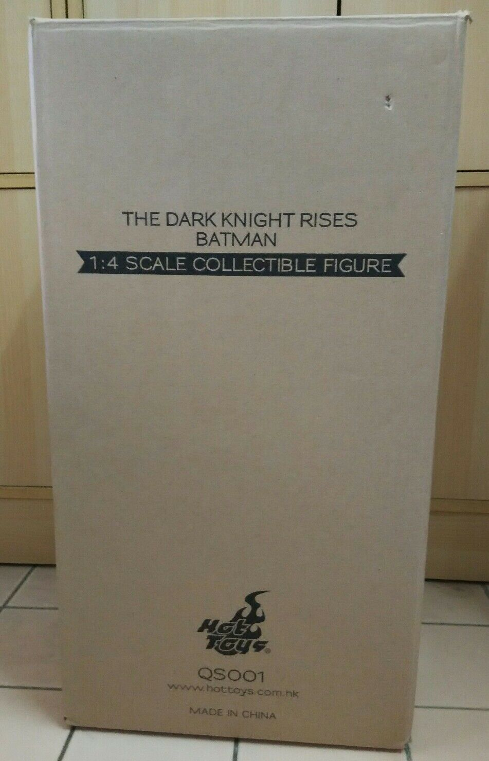 1  4 heta leksaker The Dark Knight QS001 läderlappen Bruce Wayne Mint in låda Extra Figur