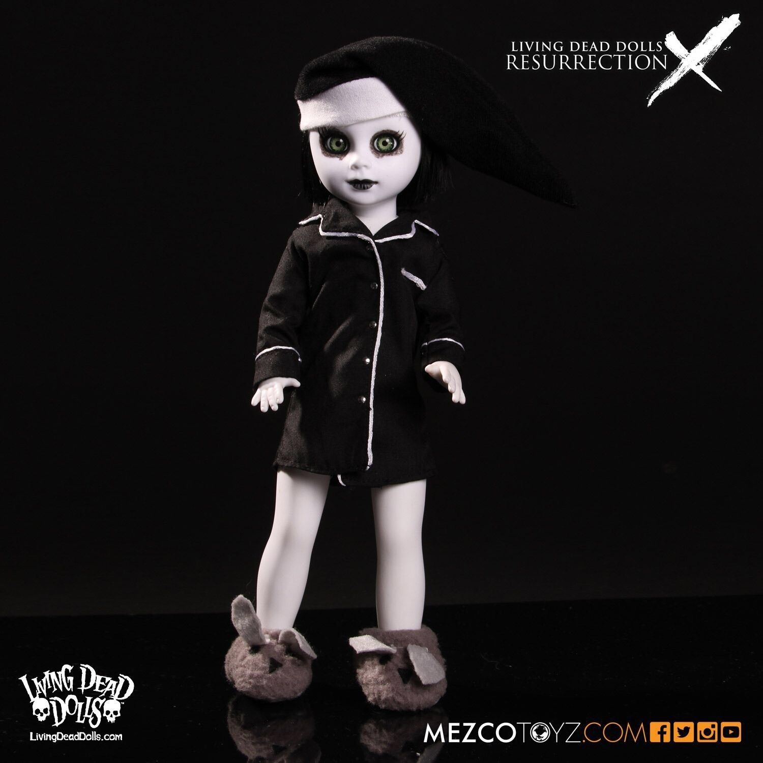 Living dead dolls Purdy Resurrection X opened never Removed 10