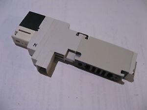 SMC-Pneumatic-Solenoid-24VDC-Valve-VQ1101N-5-USED