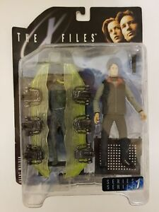 BNIB-X-FILES-SERIES-1-AGENT-MULDER-MCFARLANE-TOYS-UNOPENED-IN-BOX