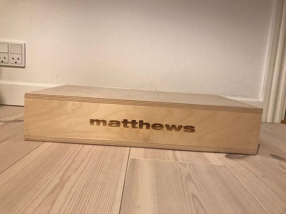 Matthews apple box half
