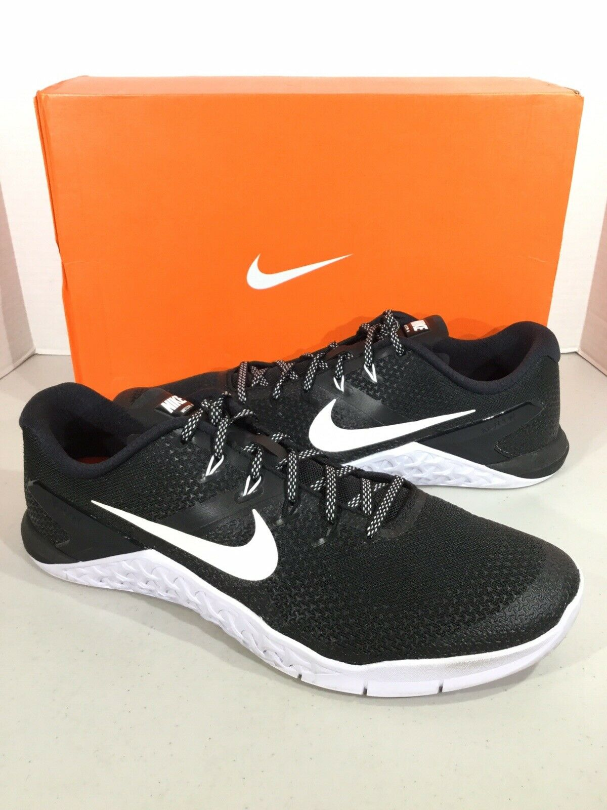 769aa2f6b7960 Nike Metcon Metcon Metcon 4 Men s Size 13 Black White Athletic  Weightlifting shoes X19-862