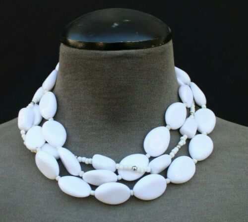 1950s Vintage White Bead Choker and White Glass Abstract Screw Back Earrings