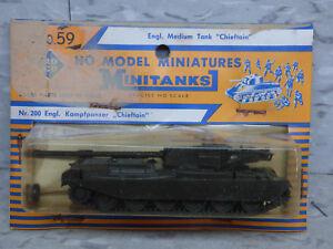 New British Chieftain Medium Battle Tank Lot 154K Herpa Roco Minitanks