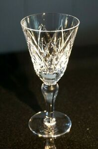 Beautiful-Stuart-Crystal-York-Wine-Glass