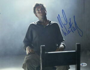 MICHAEL-WEATHERLY-SIGNED-11X14-PHOTO-NCIS-AUTHENTIC-AUTOGRAPH-BECKETT-COA-E