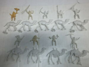 Convolute-18-Old-Merten-Plastic-Figures-Bedouin-Camels-Blanks-to-4cm