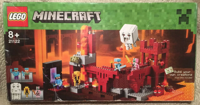 Lego Minecraft The Nether Fortress - 21122 - incomplete - Boxed