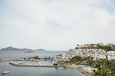 Puerto Las Hadas.  Un Estudio
