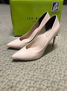 Women-039-s-Ted-Baker-Nude-Heel-Size-9-5