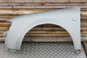 AUDI-A6-C5-05-09-ala-del-lado-del-pasajero-en-gris-claro