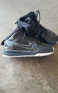 13f427cbdb3b4 Details about Nike Team Hustle D6 Black/White Youth Boys Basketball Shoes  Size 4.5Y 599187-001