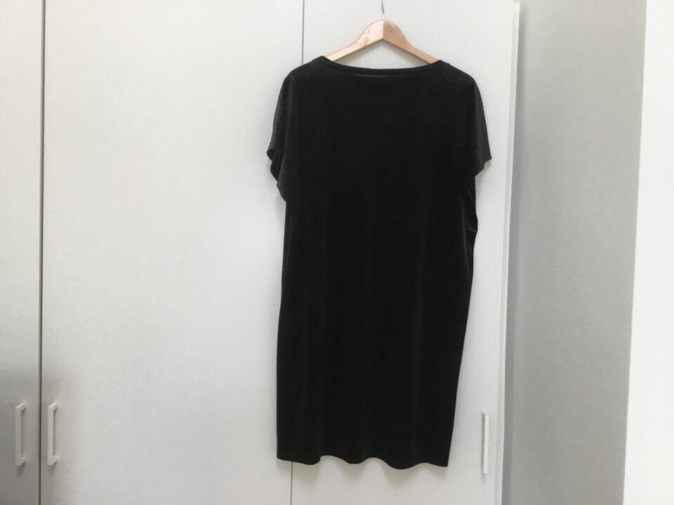 Anden kjole, Saint tropez, str. XL – dba.dk – Køb og Salg af