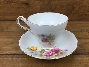 Vintage-Regency-English-Bone-China-Pink-Yellow-Rose-Tea-Cup-amp-Saucer-Gold-Trim