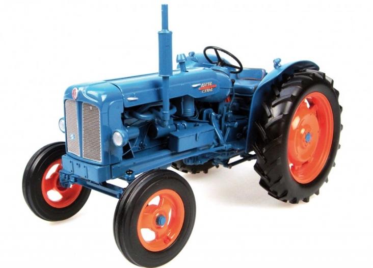 2640 UNIVERSAL HOBBIES 1958 fordson power major tracteur Coffret échelle 1 16
