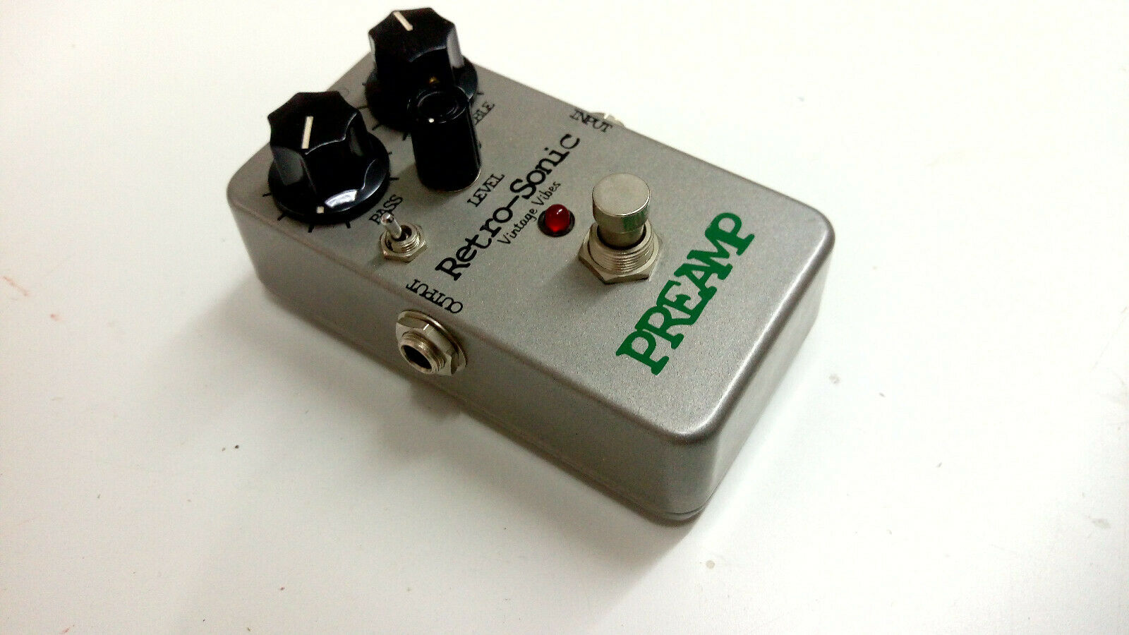 Retro Sonic Vintage Vibes PREAMP Pedal Effect
