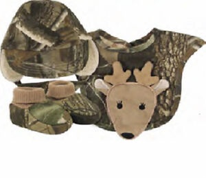 Boys Infant Realtree Camo Gift Set Hat Bib Booties Baby ...