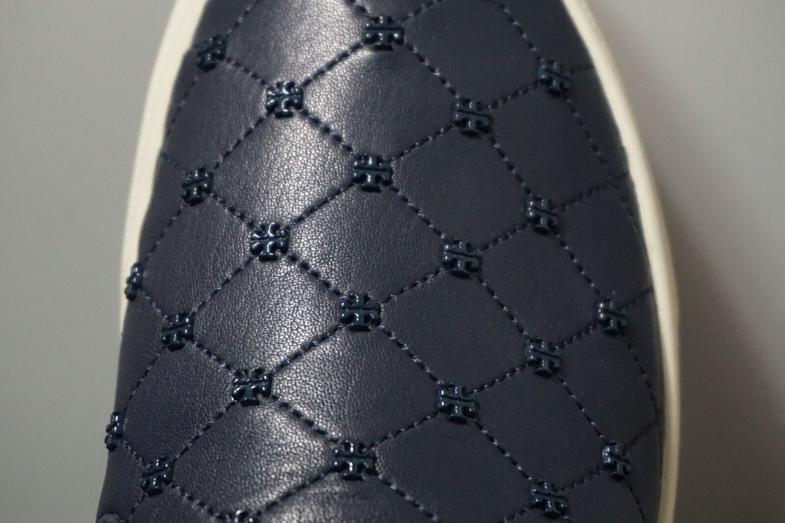 Tory Burch Women's Navy Leather Leather Leather Quilt-Stitch Studded Slip-On Sneakers Size 9 f83fb7