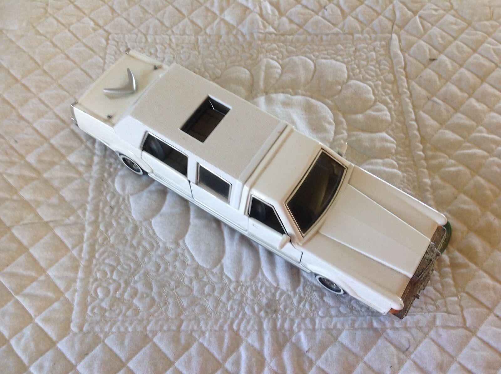 Two  Model Scale Scale Scale Cars 55feba