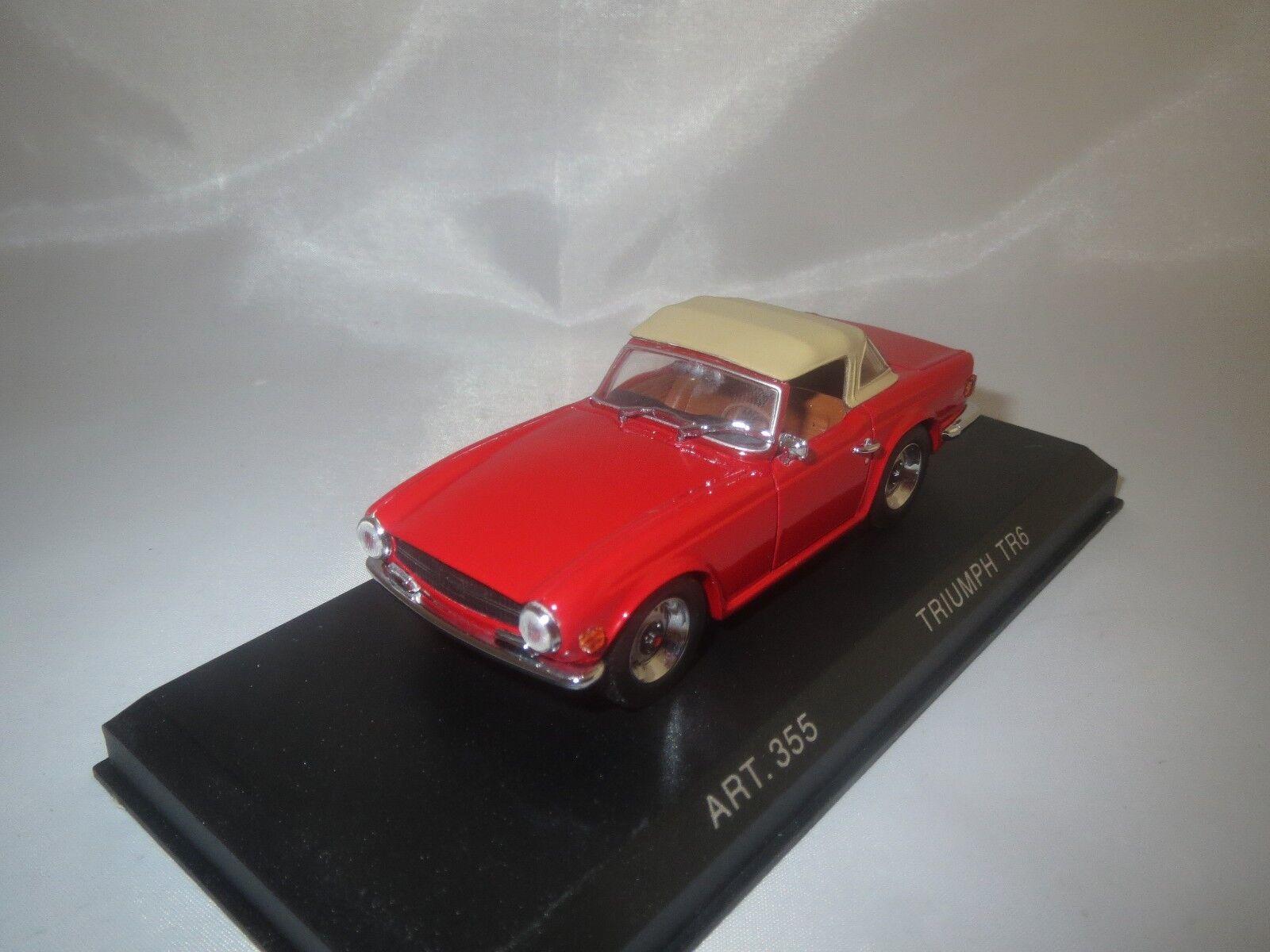 Detailcars Triumph TR 6 avec Softtop (ROUGE)  1969  1 43 neuf dans sa boîte