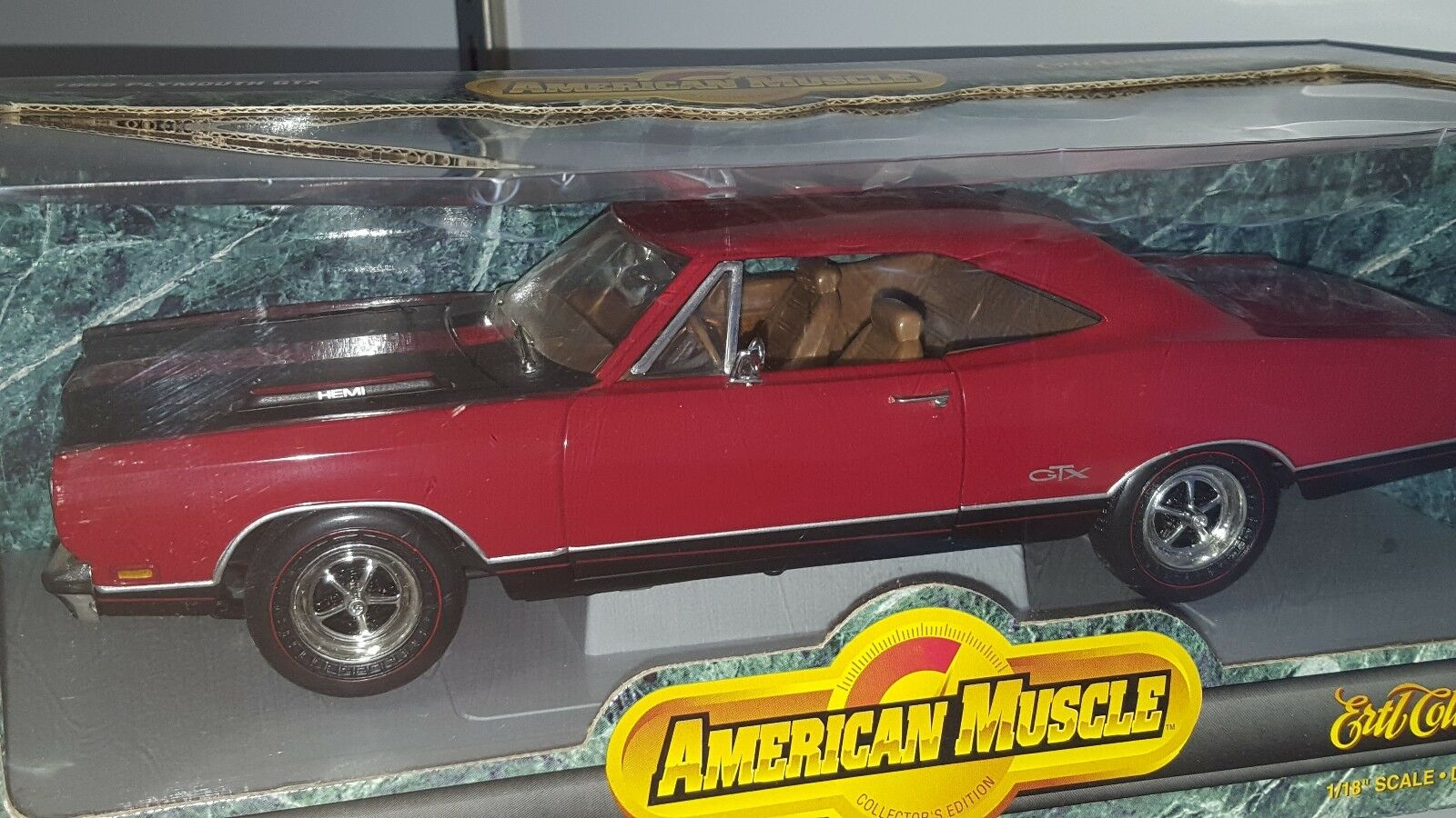 1 18 ERTL AMERICAN MUSCLE 1969 PLYMOUTH GTX HARD TOP rosso wd
