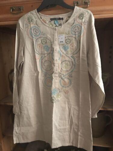 18 Gudrun Sjoden  embroidered Cotton Chikankari Tunic Size L