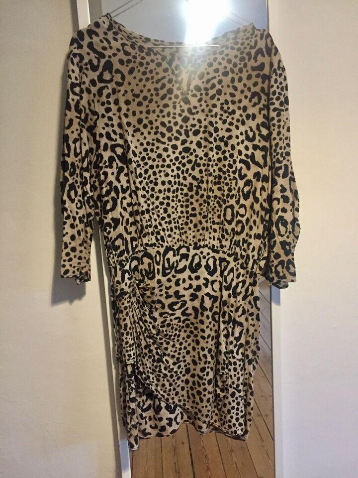 Anden kjole, Zara, str. S