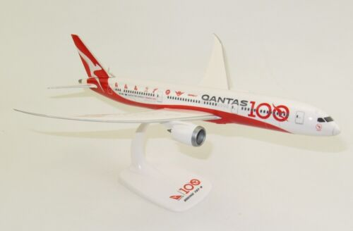 "QANTAS Boeing 787-9 /""100 years/"" Scala 1:200 Modellino Esposizione B787 VH-ZNJ"