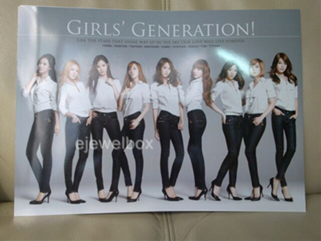 GIRLS GENERATION SNSD K-POP 12 Cut Posters Collection Bromide 12PCS + Cover New