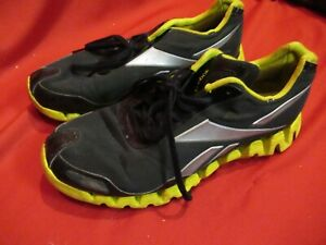 REEBOK-ZIG-TECH-PULSE-Black-White-trim-Men-039-s-Running-Shoe-Sz-10-1-2