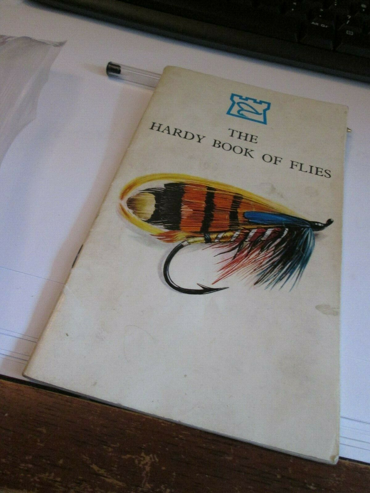 THE HARDY BOOK O FLIES AND 3 HARDY ROD LABLES