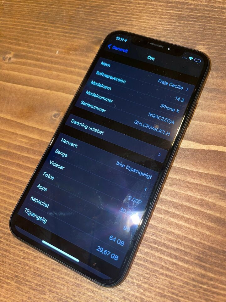 iPhone X, 64 GB, sort