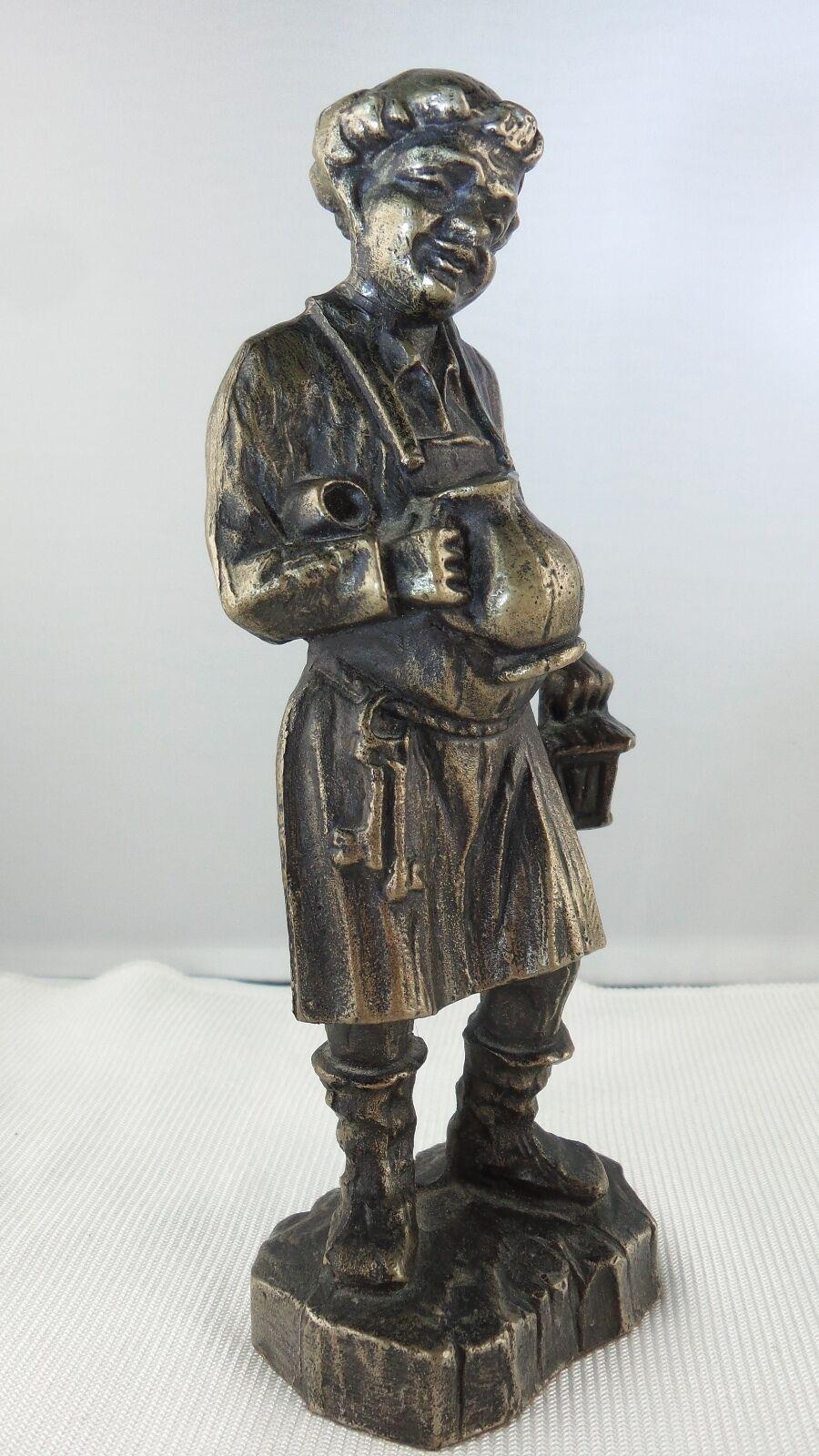 Vieux moine personnage en bronze vin