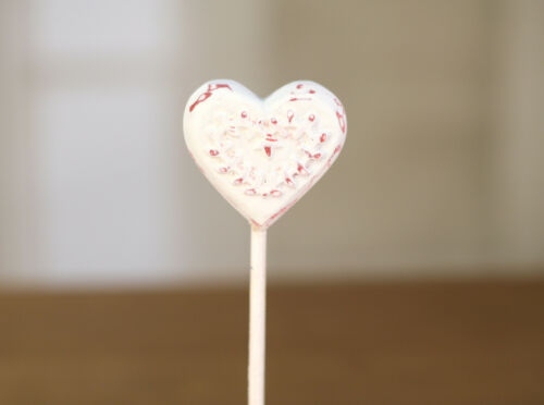2 x Carved Wood /& Resin Heart on Stand Home Decor 20cms BRAND NEW