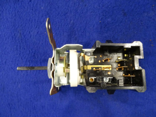 94 95 96 97 98 99 00 01 02 03 04 Mustang Headlight Lamp Switch Used Take Off