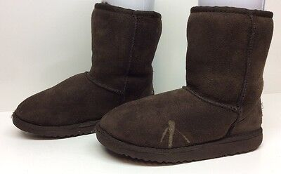 765b914e909 #13 GIRLS UGG ASTRALIA WINTER DARK BROWN BOOTS SIZE 3 | eBay