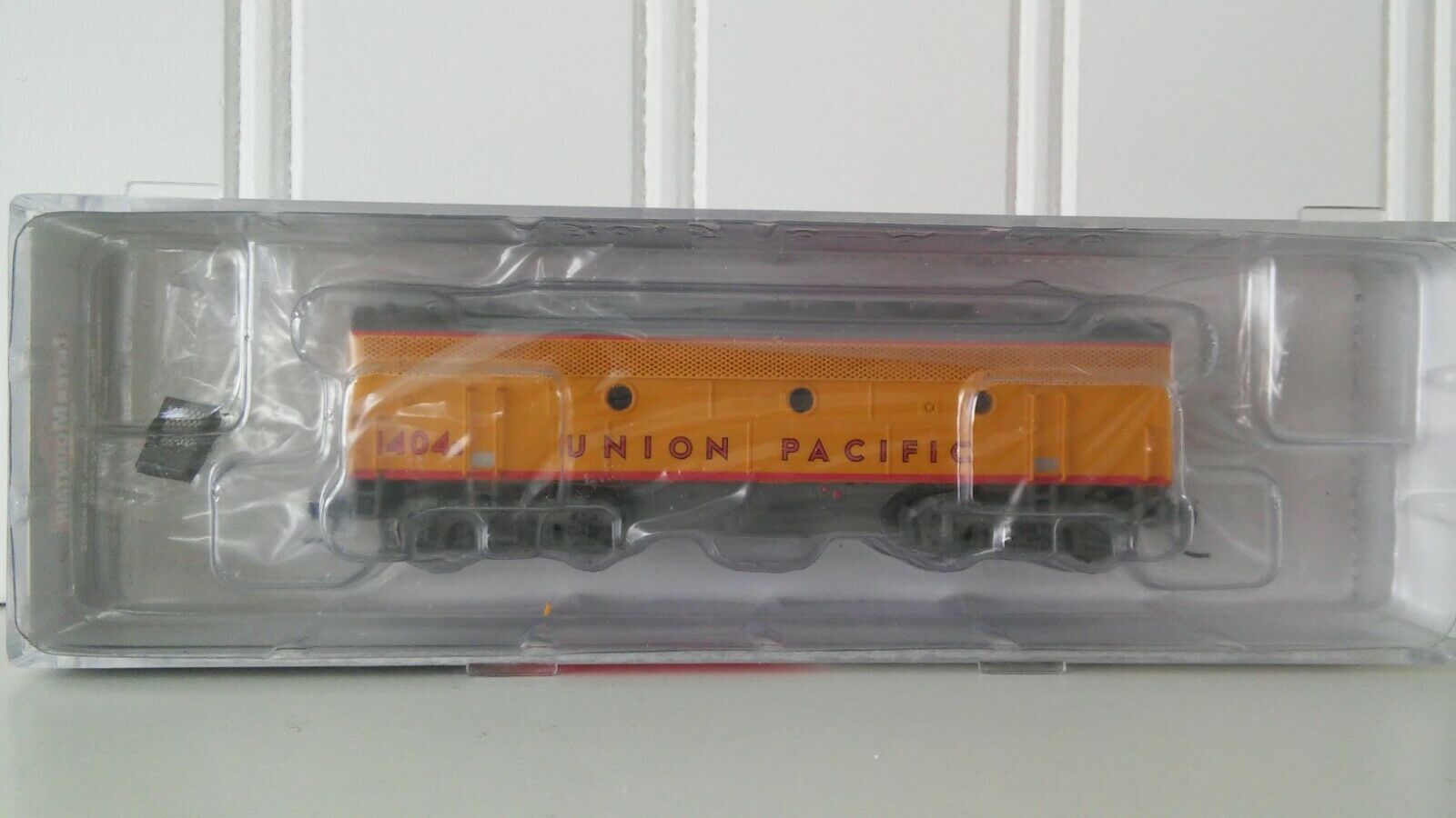 N Scale Intermountain F3B UP,DC powered