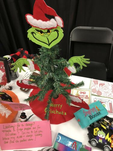 Grinch Mini Tree Set With Tree Skirt With Mini Tree FREE SHIPPING