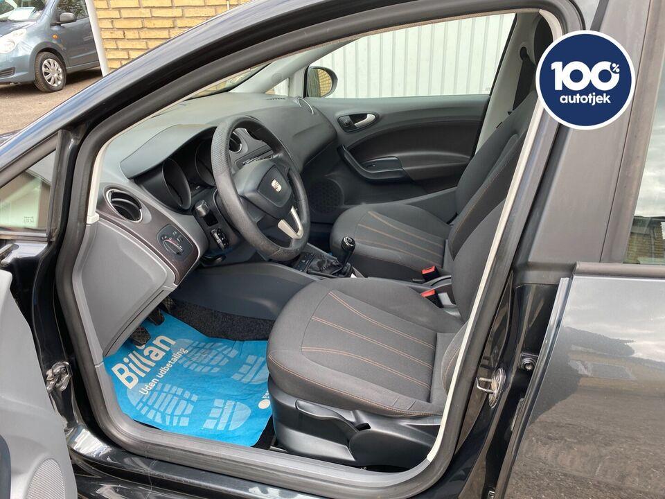 Seat Ibiza 1,4 16V Reference Benzin modelår 2011 km 88000