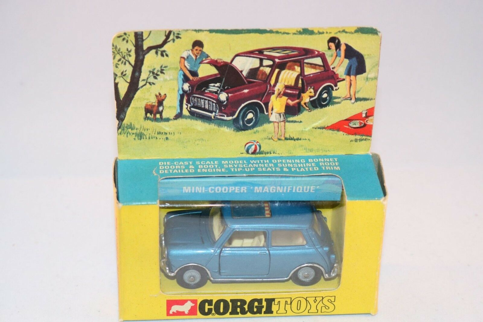 Corgi Toys 344 Mini Cooper  Magnifique  perfect mint in box superb