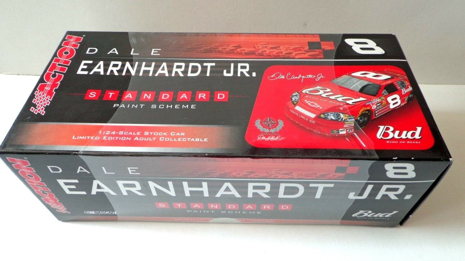 Rare  SEALED  Dale Earnhardt Jr 2006 Budweiser 1 24 Scale Diecast Car Action