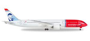 Herpa-530170-Norwegian-Boeing-787-9-Dreamliner-EI-LNI-034-Greta-Garbo-034-1-500