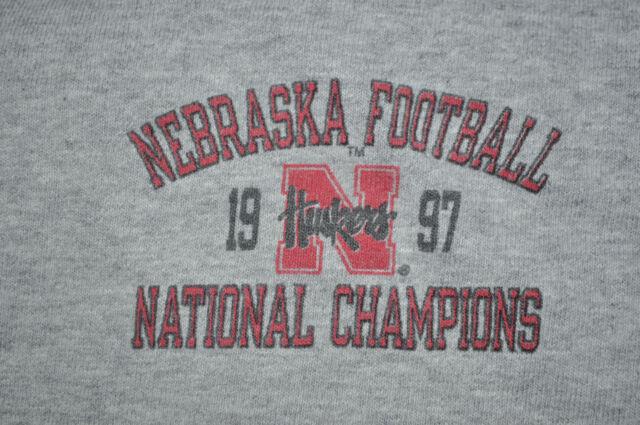 T-SHIRT NEBRASKA CORN HUSKERS FOOTBALL 1997 NATIONAL CHAMPIONS OFFENSE
