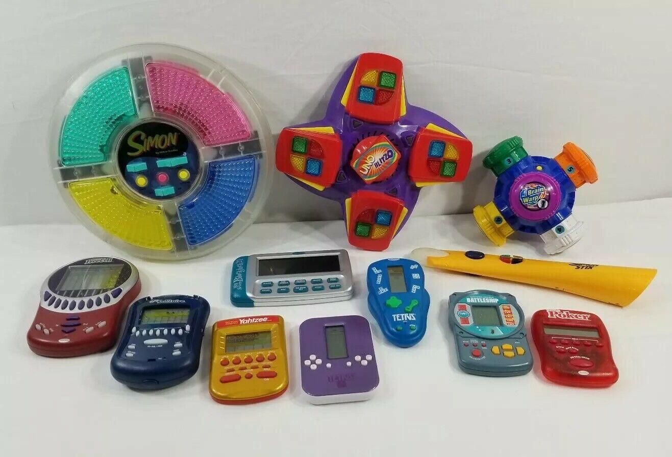 Lot Of 13 Electronic Handheld Handheld Handheld Games Tetris Battleship Poker Solitaire Yahtzee 3710ac